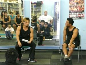 前半はカズ・ハヤシ選手がプロレスラーのトレーニングをご紹介くださいました